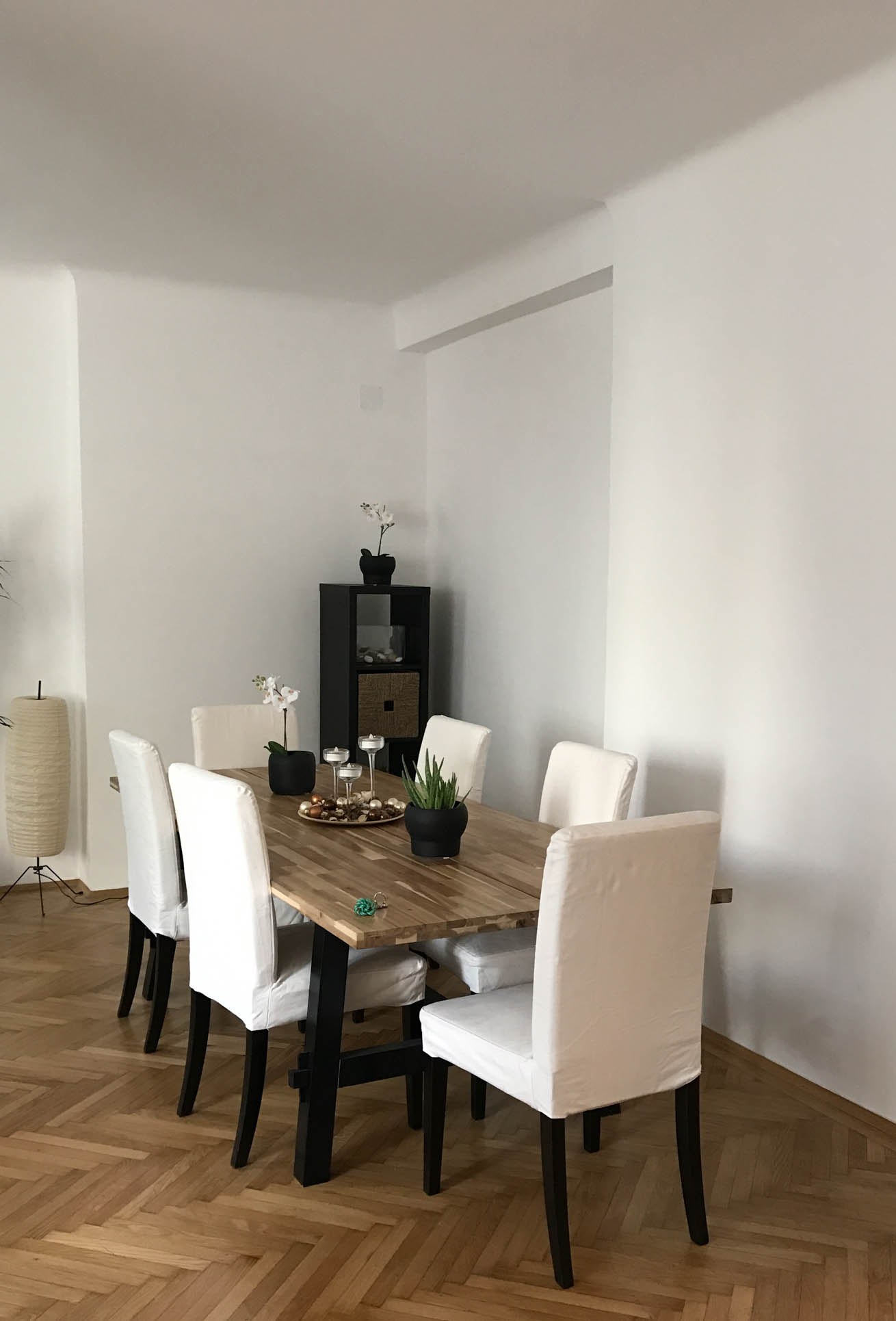 airbnb-diningroom